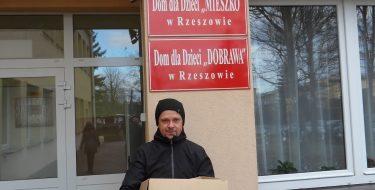 """Mikołajki dla Domu Dziecka """"MIESZKO"""" wRzeszowie"""